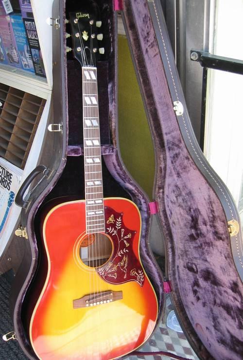 gibson hummingbird acoustic guitar circa 1968. Black Bedroom Furniture Sets. Home Design Ideas