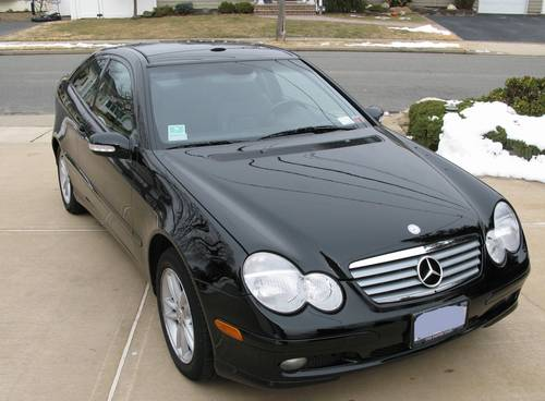 I am pleased to present this 2003 Mercedes Benz C230 Kompressor Sports Coupe