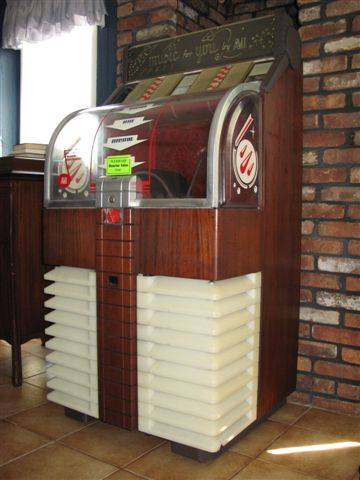 Vintage Jukebox by AMI Model D-40 Circa early 1950's