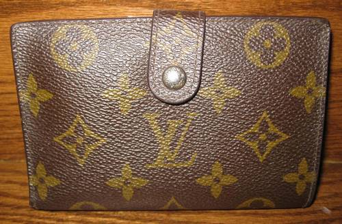 Louis Vuitton Monogram French Wallet 100% Authentic – RonSusser.com 38aa6b11195