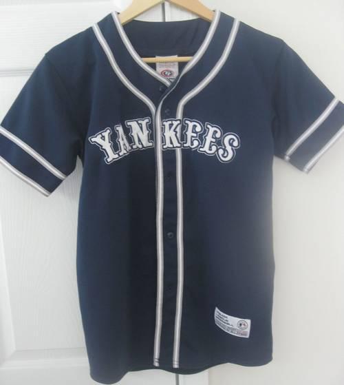 New York Yankees MLB True Fan Shirt Medium Men s Jersey – RonSusser.com 9cb6183f552