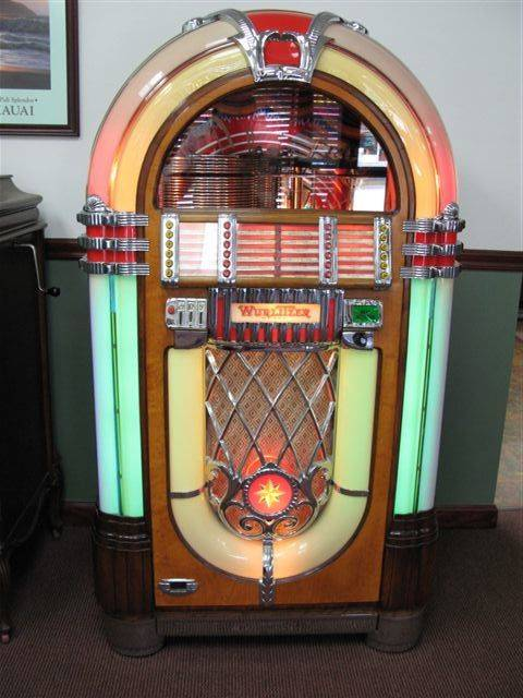 Wurlitzer 1015 Bubbler Jukebox Fully Restored Fully