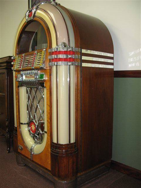 Wurlitzer 1015 Bubbler Jukebox Fully Restored Fully Operational with
