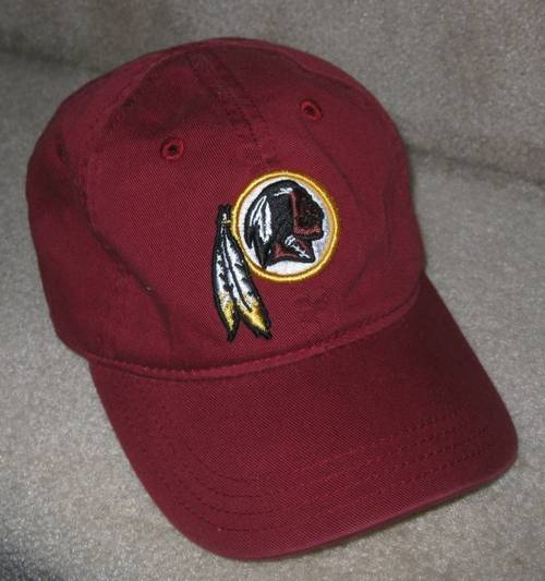 990fc253bad i am pleased to offer this brand new NFL Reebok Washington Redskins hat.  This cap is listed as size toddler but it is adjustable.