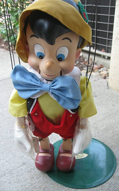walt disney s pinocchio animated puppet marionette by telco sings