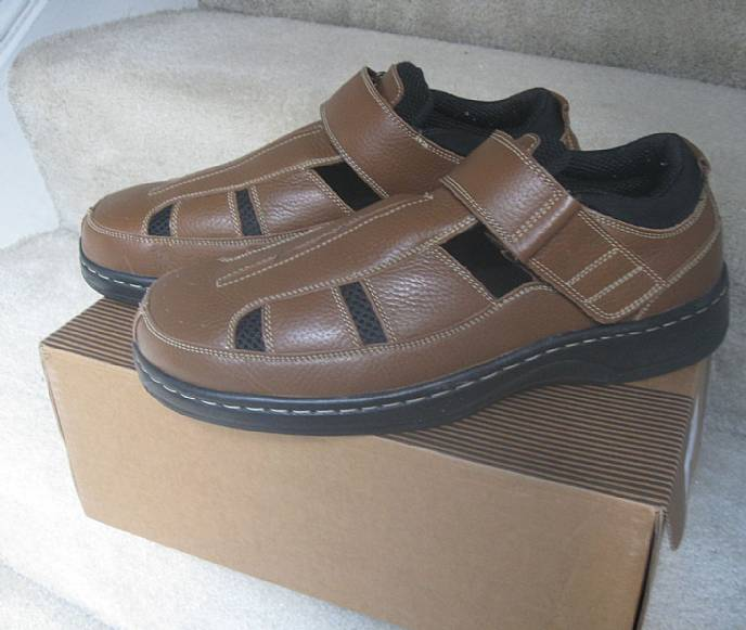 2d7d1bc298 Available today is a pair of brand new in box Diabetes orthotic shoes/ sandals made by OrthoFeet. Shoes are described as MELBOURNE (MEN'S FISHERMAN  ...