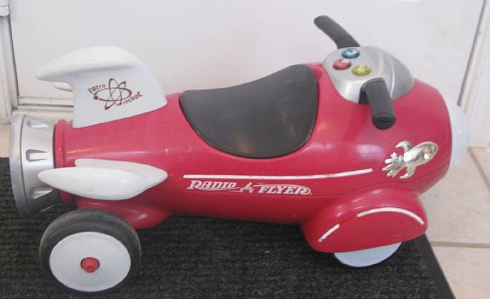 Radio Flyer Bike >> Radio Flyer Retro Rocket Child's Ride On Toy Light ...