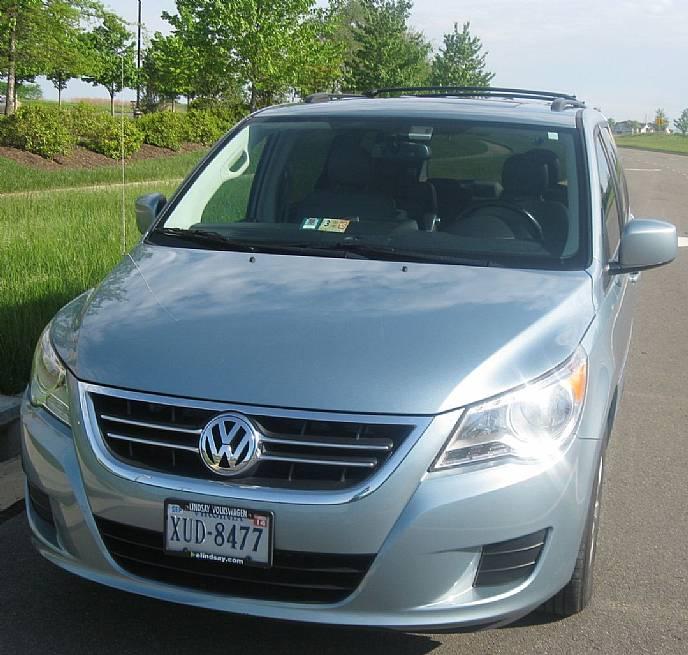 Volkswagen Inventory: 2009 Volkswagen Routan SEL NAV, DVD, One Owner, Fully