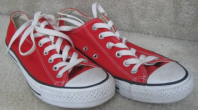a3bb30387ddb Converse Chuck Taylor All Star Canvas Sneakers (M9696) Low Top Red ...