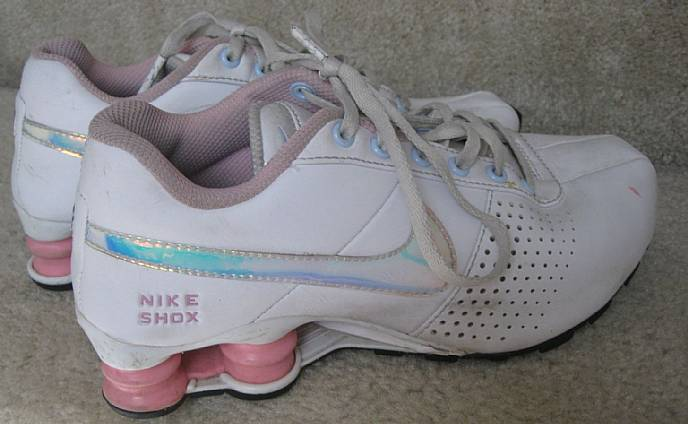 Nike Shox Deliver Youth Kids Running Shoes Sneakers Size 4.5Y Style ... d1035278e