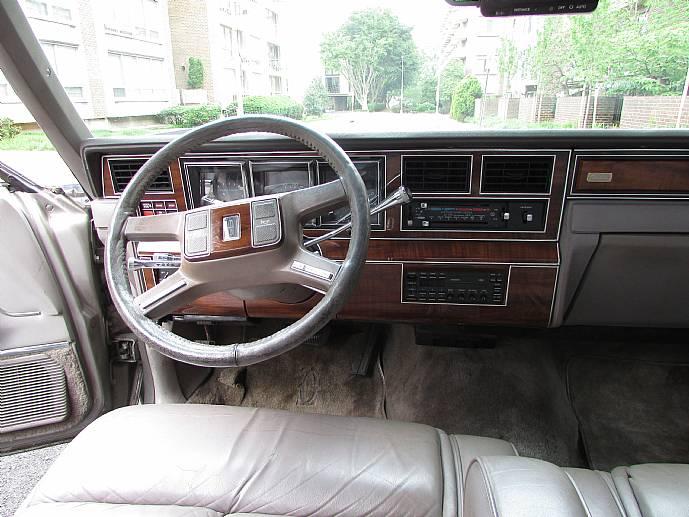 1989 lincoln town car cartier edition ebay. Black Bedroom Furniture Sets. Home Design Ideas