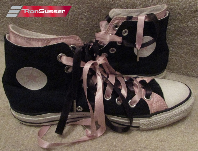 9d9afbd1955b Converse Chuck Taylor All Star Black Pink Hi Tops Sneakers 109006F Size 8  Men 10 Women