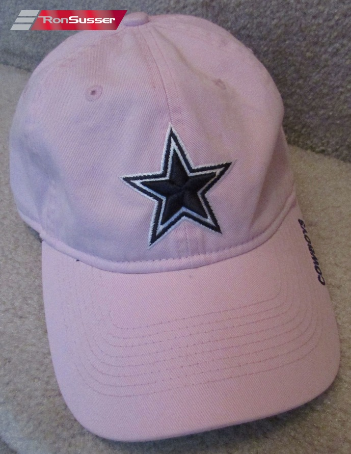 Available today is an NFL Dallas Cowboys ladies pink baseball cap hat. Size  is one size fits all. Hat is in excellent pre-owned condition. Made by  Reebok. 7a8f360e21