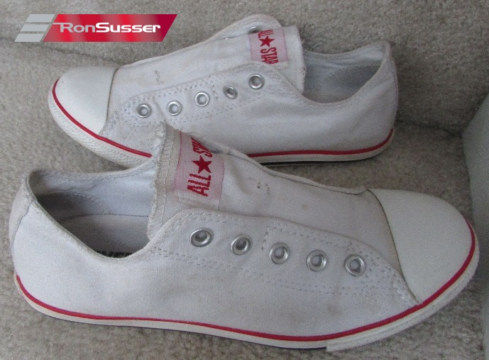 d63171066414 I am pleased to offer this great pair of Converse Chuck Taylor All Stars low  slim slip sneakers. Excellent pre-owned condition. Great white color.