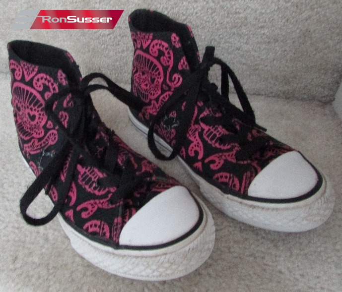 9dde4c29f91e I am pleased to offer these Converse All Star Chuck Taylor black and pink  skull design high top sneakers. Size is junior size 1. Style is 616646FT.