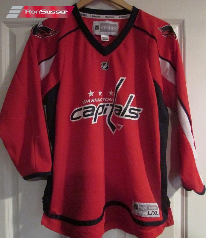new product 1bb11 7f9d9 NHL Washington Capitals Jersey by Reebok CCM Youth L/XL ...