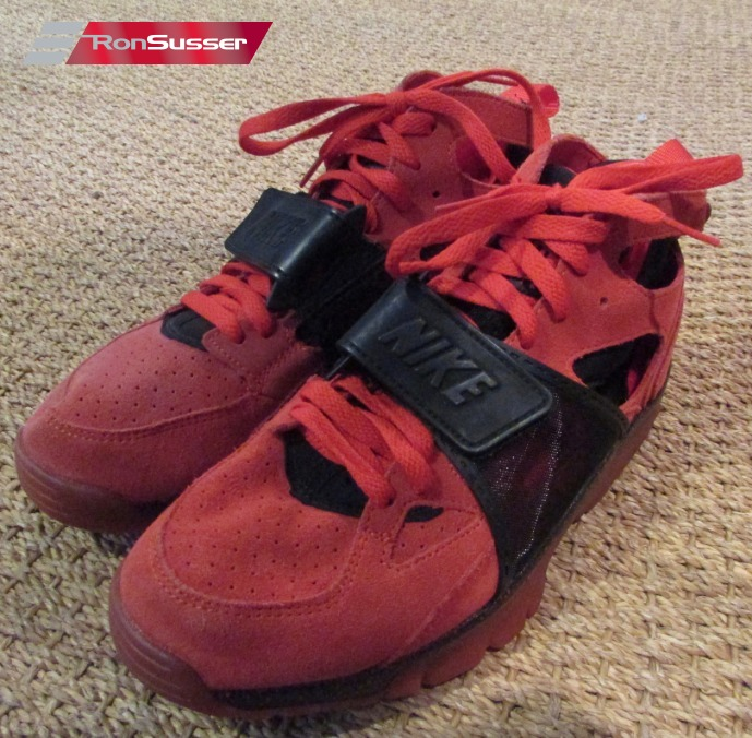 new style b2111 33ef6 Nike Air Trainer Huarache PRM QS Challenge Red Black Love Hate 647591-600  Sz 8
