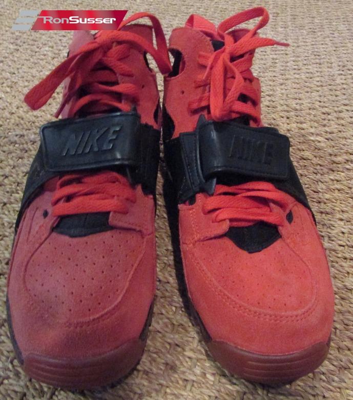 new style dea9e 90c18 Nike Air Trainer Huarache PRM QS Challenge Red Black Love Hate 647591-600  Sz 8