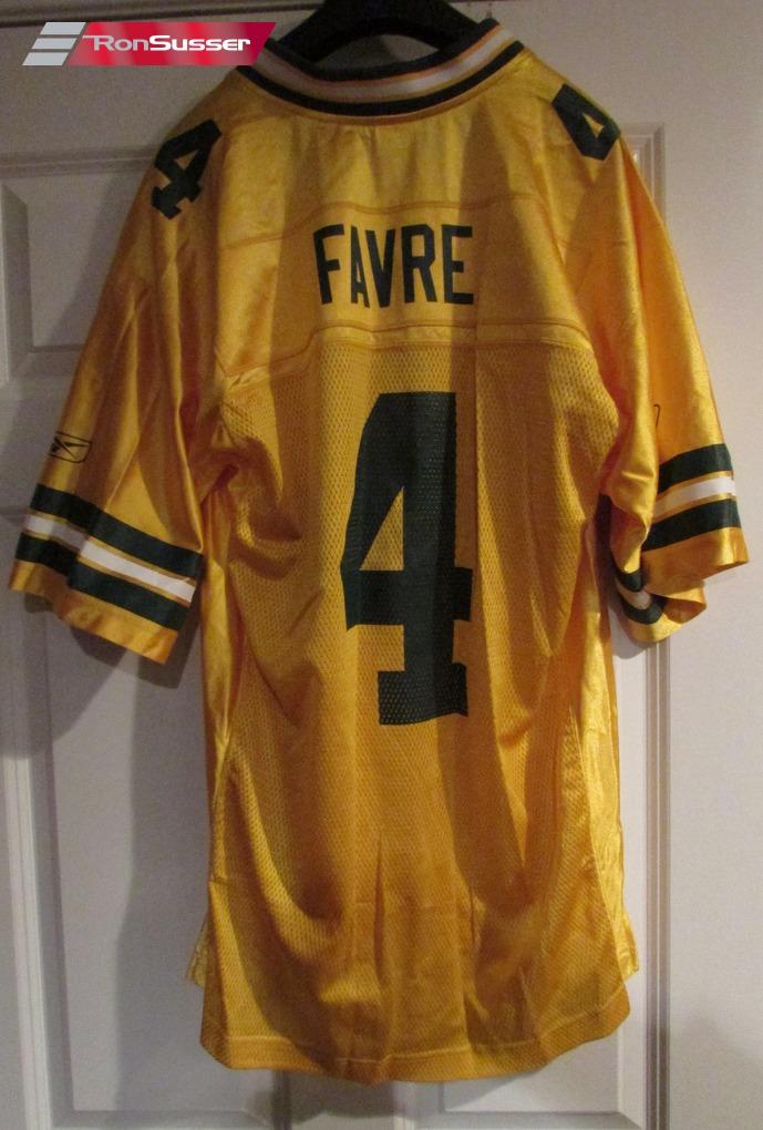 8505173d5 NFL Green Bay Brett Favre  4 Jersey Adult Medium by Reebok