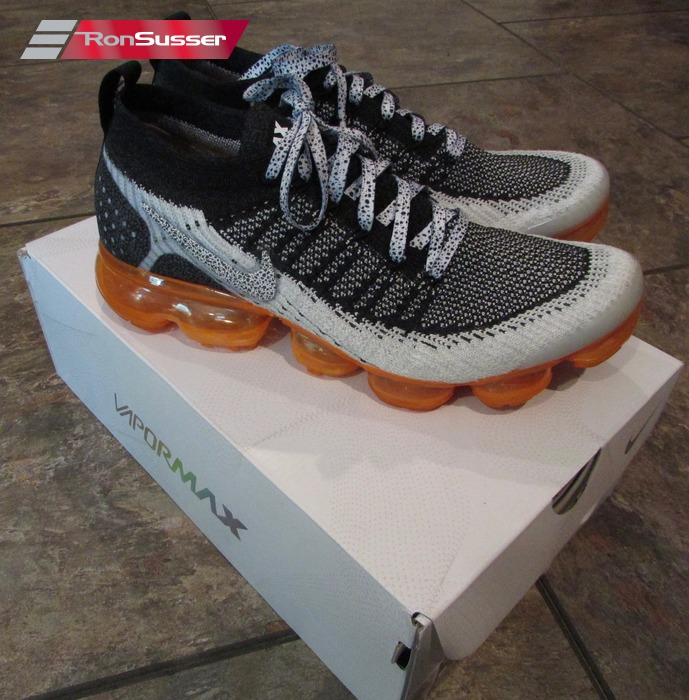 hot sale online 3fc96 9748e Details about Nike Air Vapormax Flyknit 2 White/Black/Orange Size 9 with  Flaw